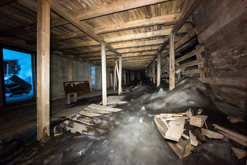 Inside Mine 2B: ice is taking over